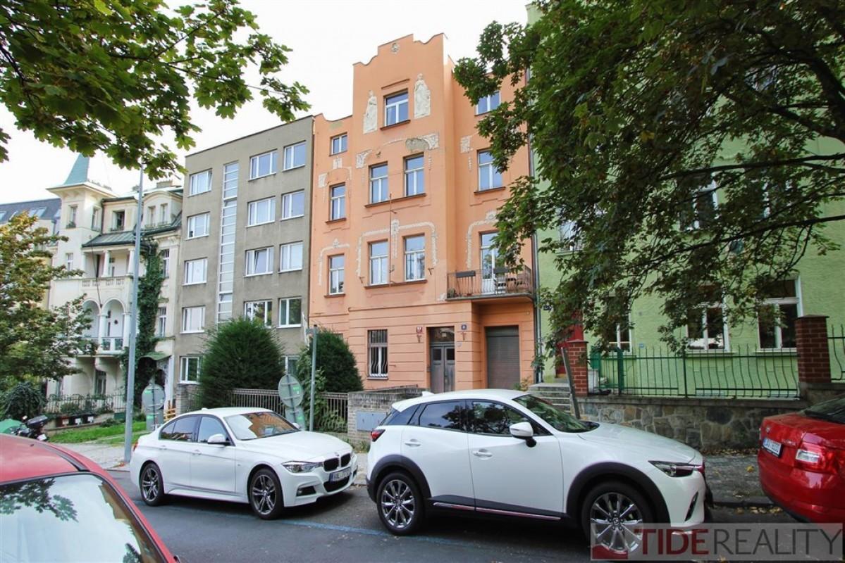 Pronájem bytu 2+1 v klidné ulici Praha 5, Švédská