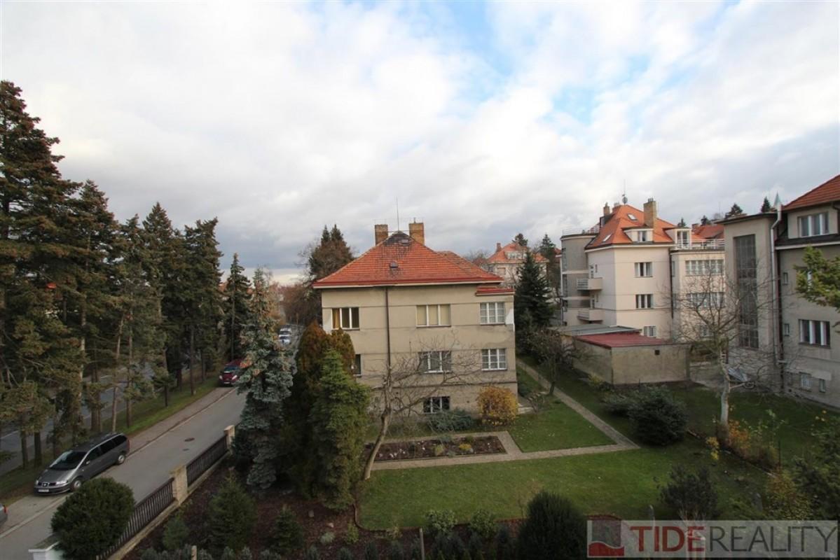 Pronájem nezařízeného bytu 3+1, 138 m2, ulice Na Ořechovce, Praha 6