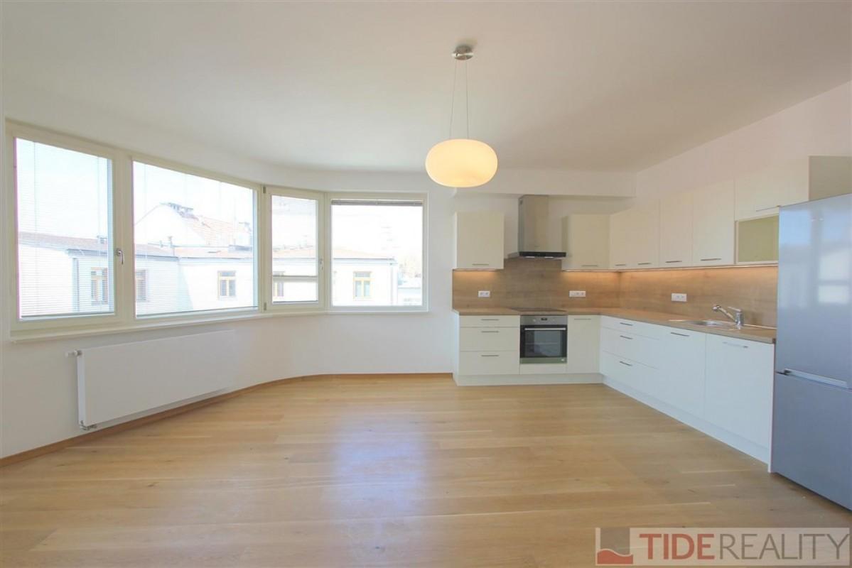 Prodej novostavby bytu 3+kk, terasa, garážové stání, Praha 1, Krakovská