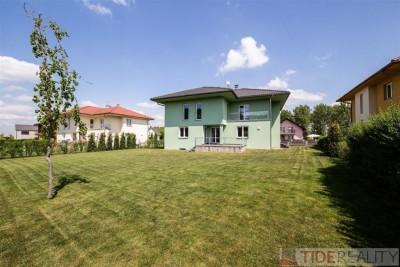 Prostorný rodinný dům (6+1, 350 m2) v Průhonicích, Pod Valem II., Praha 4