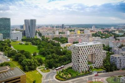 Rezidence Kavčí Hory, byt 155 m2, 2 terasy, 4 gar. stání. Praha 4