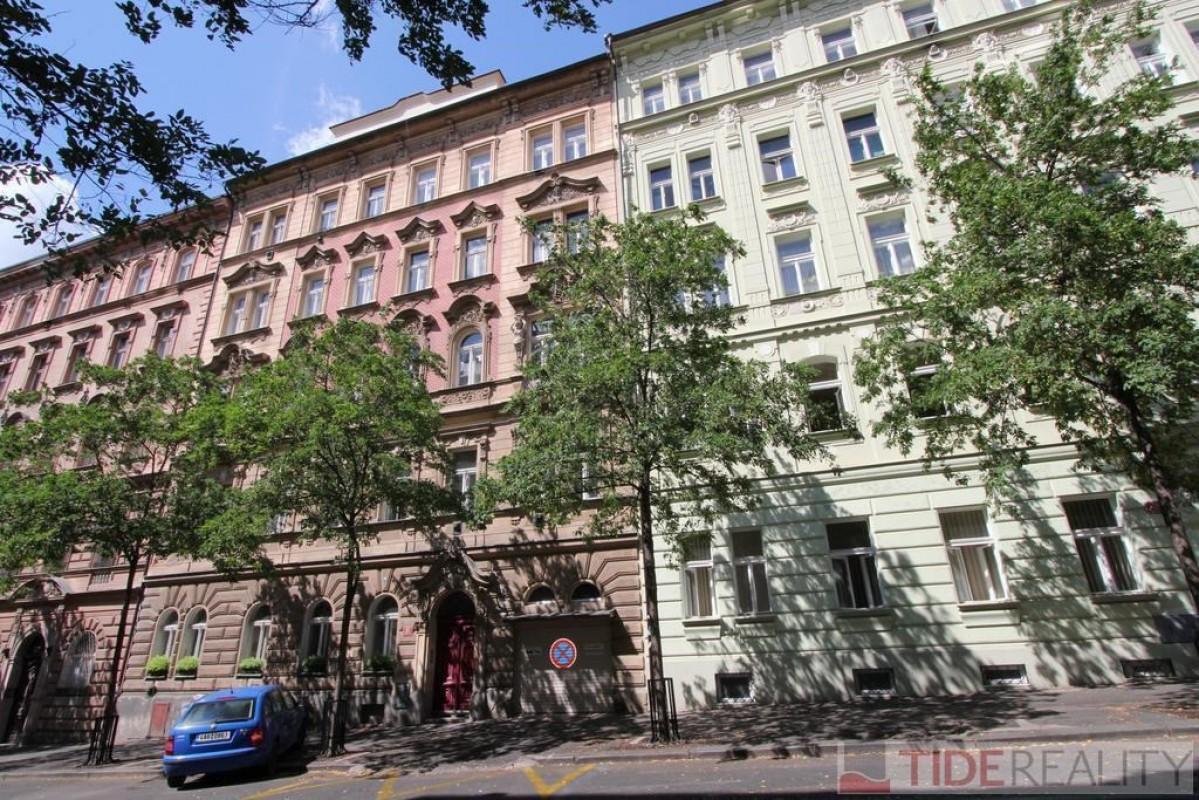 Pronájem zrekonstruovaného bytu 1+1, Mánesova, Vinohrady, Praha 2