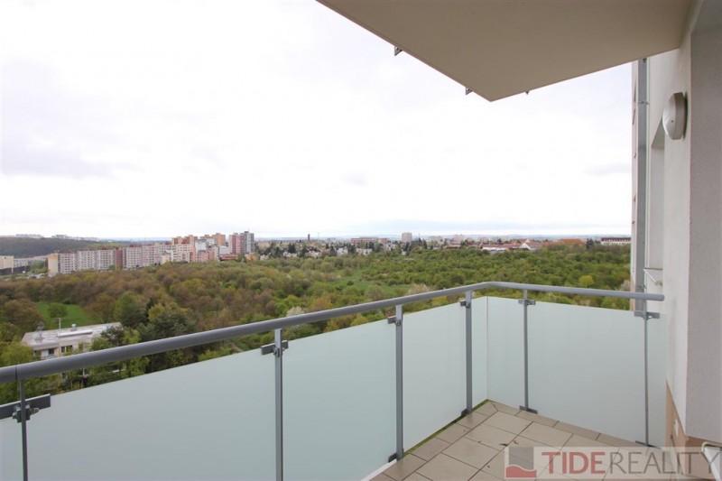 Pěkný nezařízený byt 2+kk s balkonem, Praha 4-Krč
