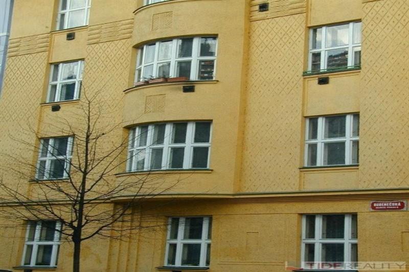 Prostorný byt 4+1 v Dejvicích, Praha 6, Jasleská ul.
